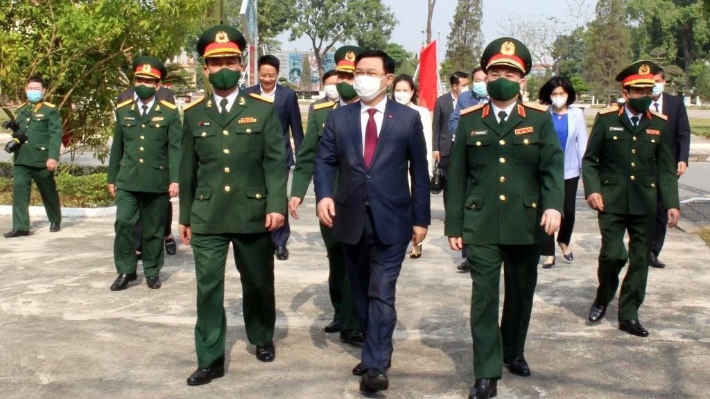 Xây dựng Sư đoàn Bộ binh 301 là sư đoàn chủ lực của Bộ Tư lệnh Thủ đô