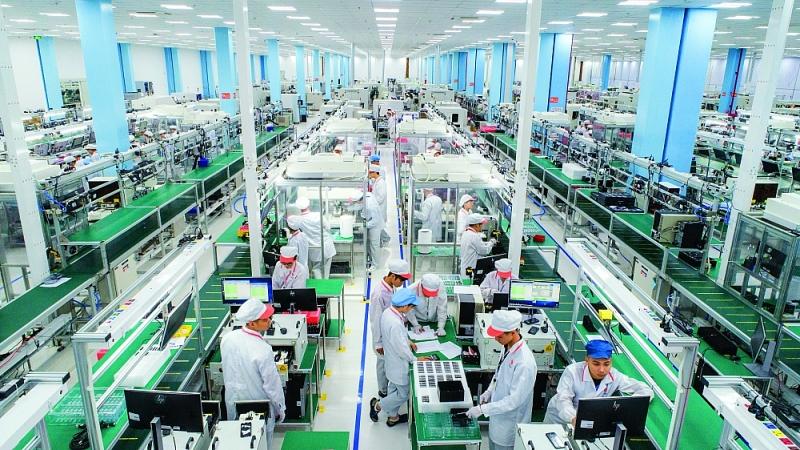 Dây chuyền sản xuất của nhà máy Vsmart, Khu công nghệ cao Hòa Lạc, Hà Nội