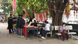 Lắng đọng người dân Thủ đô đi lễ chùa đầu năm mới