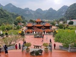Đầu năm đi lễ đền, chùa Xứ Lạng