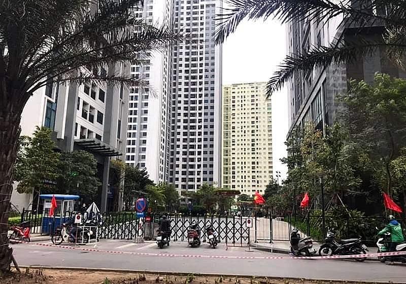Phong tỏa tòa chung cư