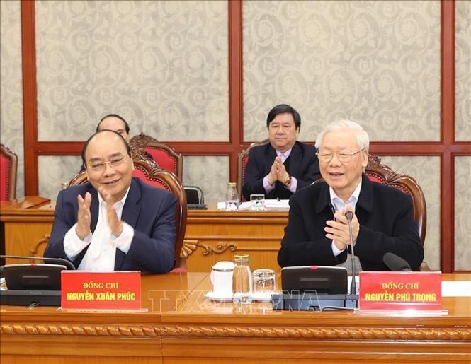 Tổng Bí thư, Chủ tịch nước Nguyễn Phú Trọng và Thủ tướng Nguyễn Xuân Phúc tại phiên họp.