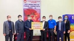 2.000 bộ kit xét nghiệm nhanh Covid-19 được trao tặng tới tỉnh Hải Dương