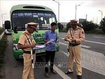 Chỉ điểm chốt cảnh sát giao thông bị phạt 7,5 triệu đồng