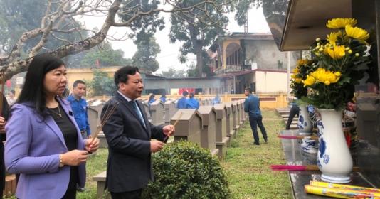 Dâng hương tưởng nhớ đồng chí Đỗ Ngọc Du - Bí thư Thành ủy Hà Nội đầu tiên