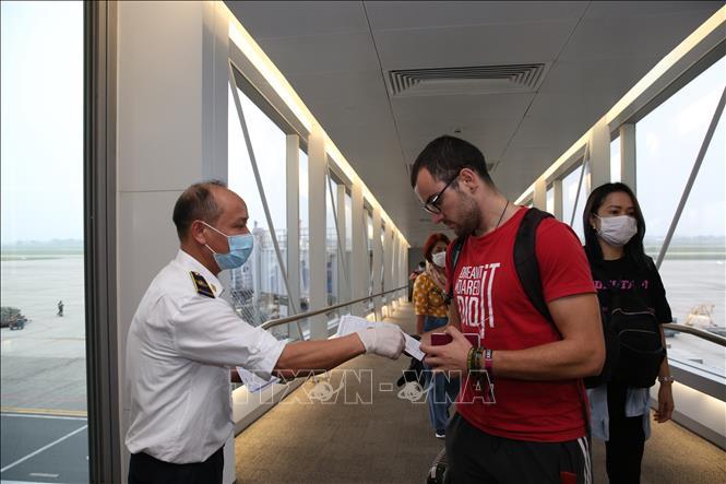 Từ 18/3, cách ly y tế bắt buộc đối với hành khách đến từ các nước ASEAN