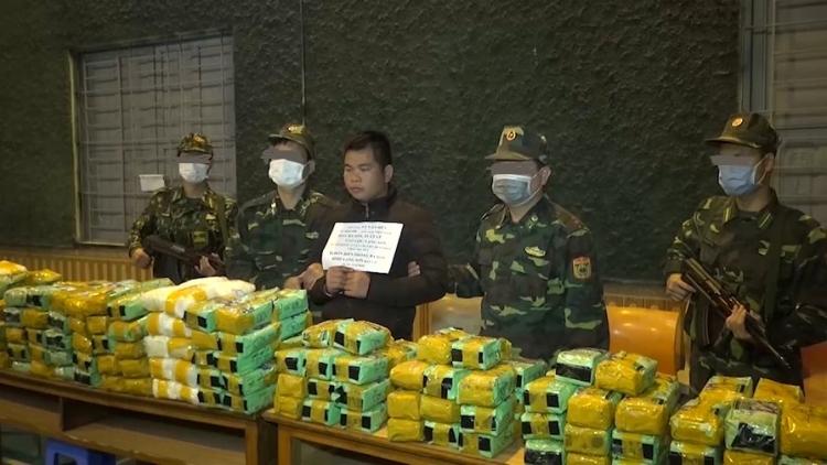 [Video] Tóm gọn 246kg ma túy đá trên đường từ Việt Nam sang Trung Quốc tiêu thụ