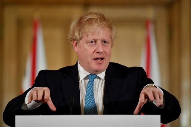 Chính phủ Anh ban bố một số biện pháp phong tỏa có giới hạn để đối phó dịch Covid-19