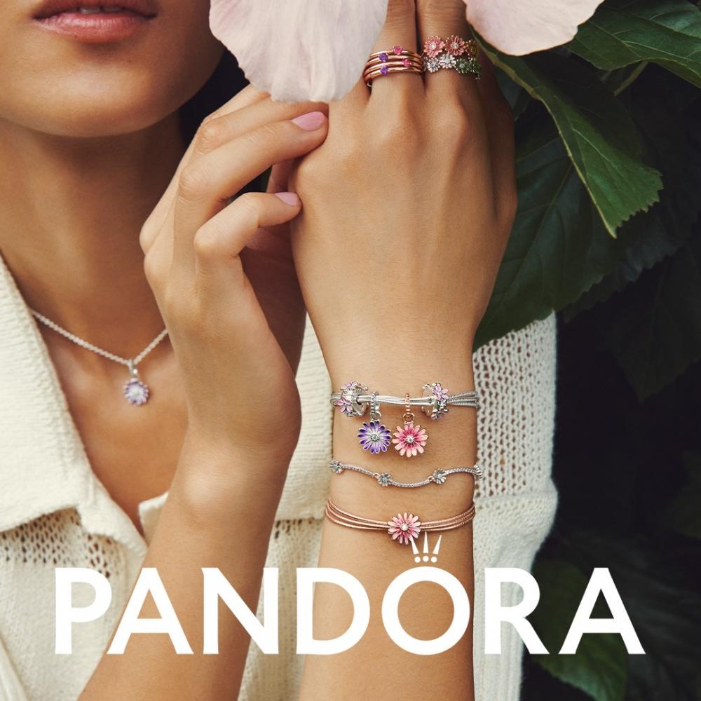 Lạc bước trong khu vườn mùa xuân cùng bộ sưu tập Pandora Garden 2021