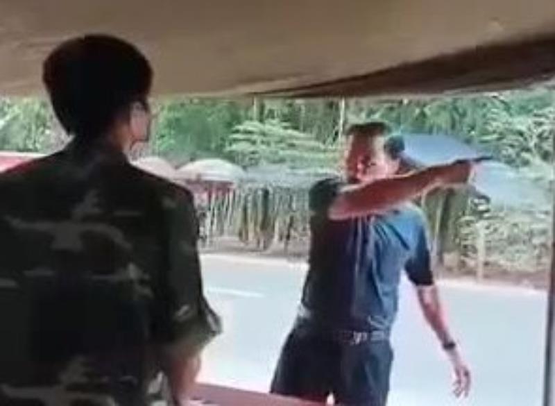 """Phó Chủ tịch HĐND huyện """"chống đối"""" tại chốt kiểm dịch đã bị tạm đình chỉ công tác"""