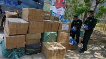 Bắt giữ đối tượng vận chuyển 125.000 khẩu trang không rõ nguồn gốc sang biên giới