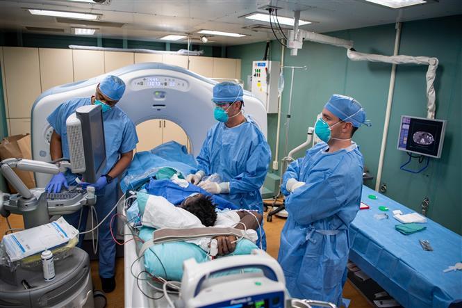 Diễn biến COVID-19 tới 6 giờ sáng 28/4: Trên 3 triệu người mắc bệnh, số ca tử vong vượt 200.000 người