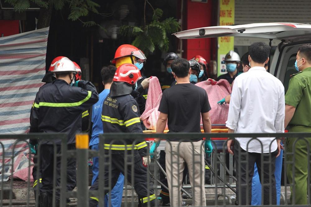 Chủ tịch TP Hà Nội yêu cầu công an điều tra vụ cháy nghiêm trọng ở phố Tôn Đức Thắng