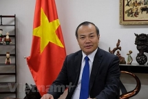 Đại sứ Vũ Hồng Nam trình Quốc thư lên Tổng thống Quần đảo Marshall