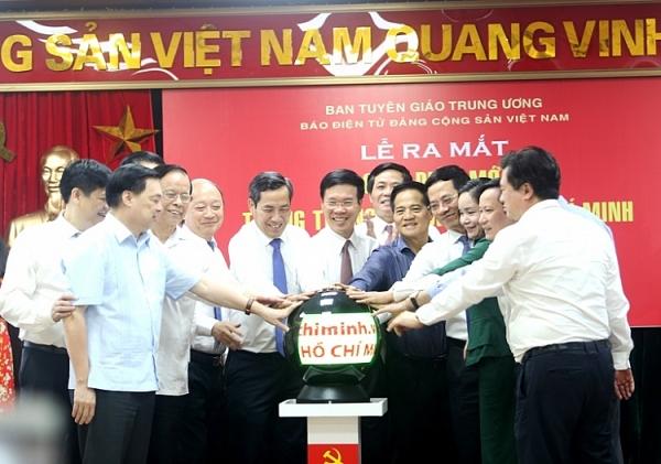 dong chi vo van thuong nhan nut phat mang giao dien moi trang thong tin dien tu ho chi minh