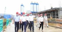 Chủ tịch UBND TP Hà Nội Nguyễn Đức Chung kiểm tra tiến độ xây dựng Nhà máy điện rác tại Sóc Sơn