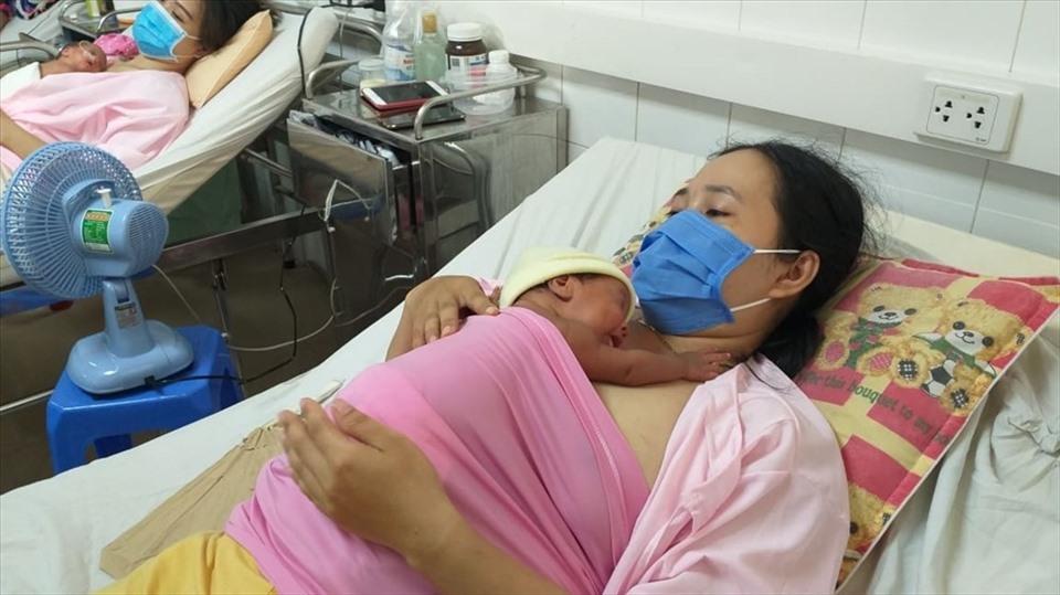 """""""Bệnh viện thực hành nuôi con bằng sữa mẹ xuất sắc"""""""