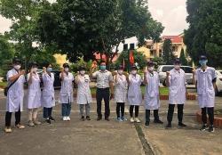 """Sinh viên Trường Đại học Y Hà Nội """"chia lửa"""" tuyến đầu chống Covid-19 ở Bắc Ninh"""
