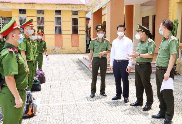 Bổ sung 400 cán bộ, chiến sĩ tham gia phòng, chống dịch tại tỉnh Bắc Ninh