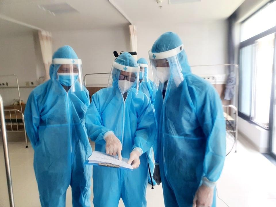 Bác sĩ Bệnh viện Bạch Mai hiến kế chống dịch