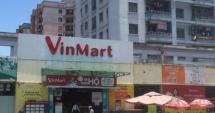 """Siêu thị VinMart """"móc túi"""" khách hàng từ gói giấy ăn đến khay Cherry đắt tiền"""