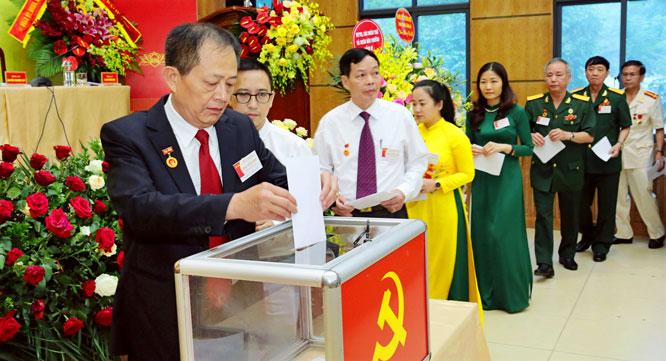 nhan su cap uy co so thuoc dang bo ha noi nhiem ky 2020 2025 chuyen bien tich cuc ve chat luong
