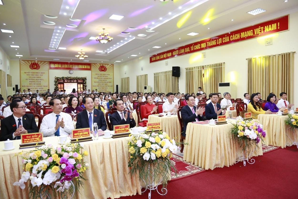 Các đại biểu về dự Đại hội