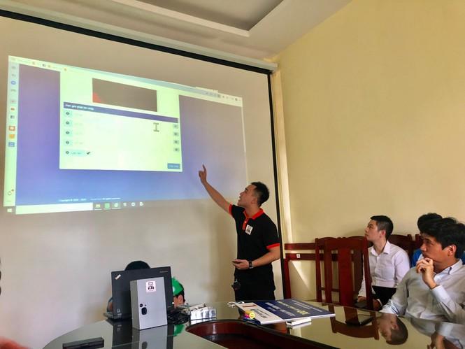 Sinh viên Bách khoa sáng tạo máy nhắc uống thuốc tặng bệnh nhân COVID-19 ở Đà Nẵng - ảnh 2