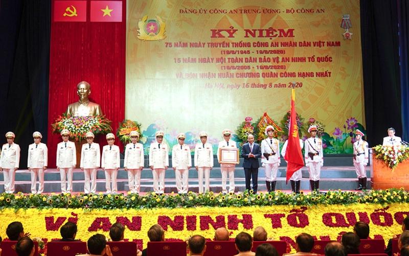 75 năm bồi đắp truyền thống vẻ vang của lực lượng Công an nhân dân