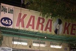Hai thầy cúng vào hát trong quán karaoke hoạt động chui
