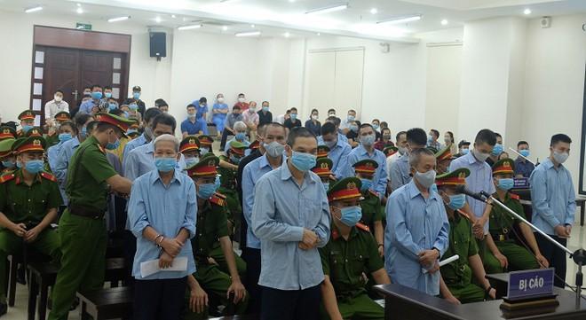 Xét xử vụ án đặc biệt nghiêm trọng tại xã Đồng Tâm: Các bị cáo đều nhận tội và xin lỗi gia đình các chiến sỹ Công an hy sinh ảnh 1