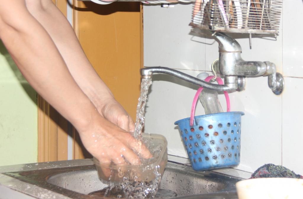 Hà Nội hỗ trợ giá nước sinh hoạt cho người dân bị ảnh hưởng bởi dịch Covid-19