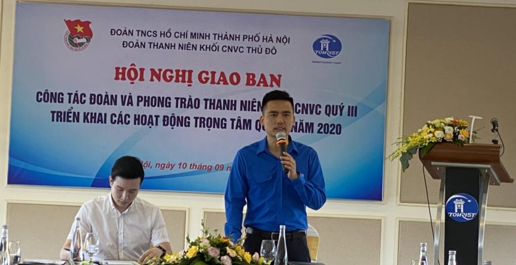 Đồng chí Lý Duy Xuân, Phó Bí thư Thành đoàn phát biểu tại hội nghị