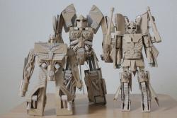 """Chàng trai làm mô hình từ thùng giấy carton """"gây sốt"""" cộng đồng mạng"""