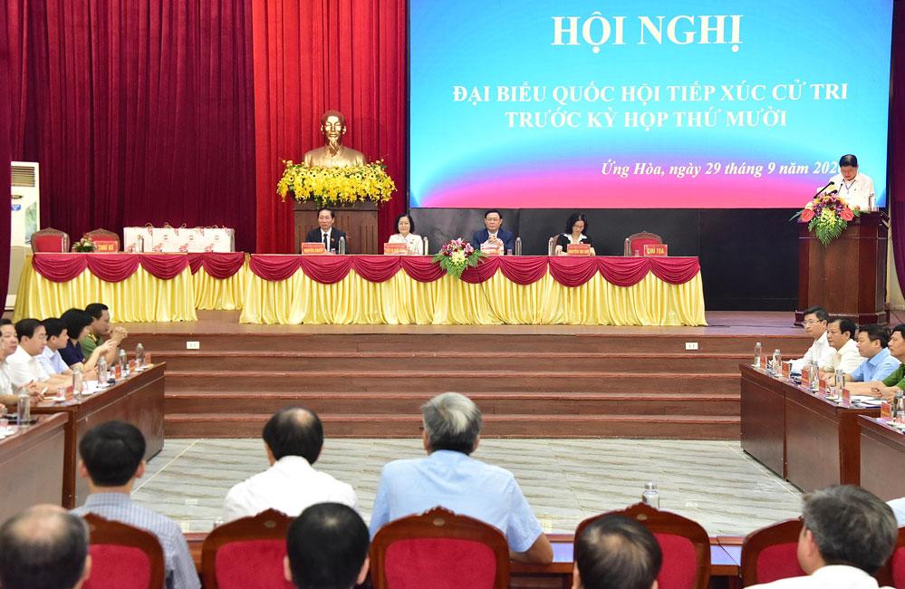 Bí thư Thành ủy Hà Nội Vương Đình Huệ tiếp xúc cử tri huyện Ứng Hòa