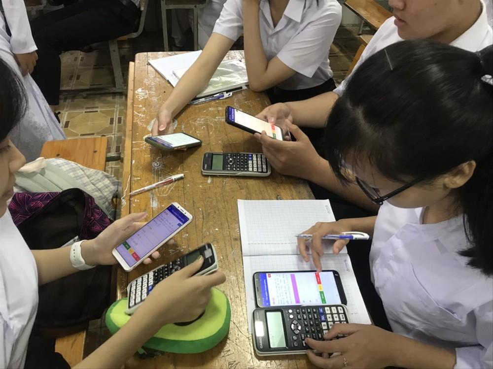Ứng dụng học toán miễn phí của thầy giáo làng