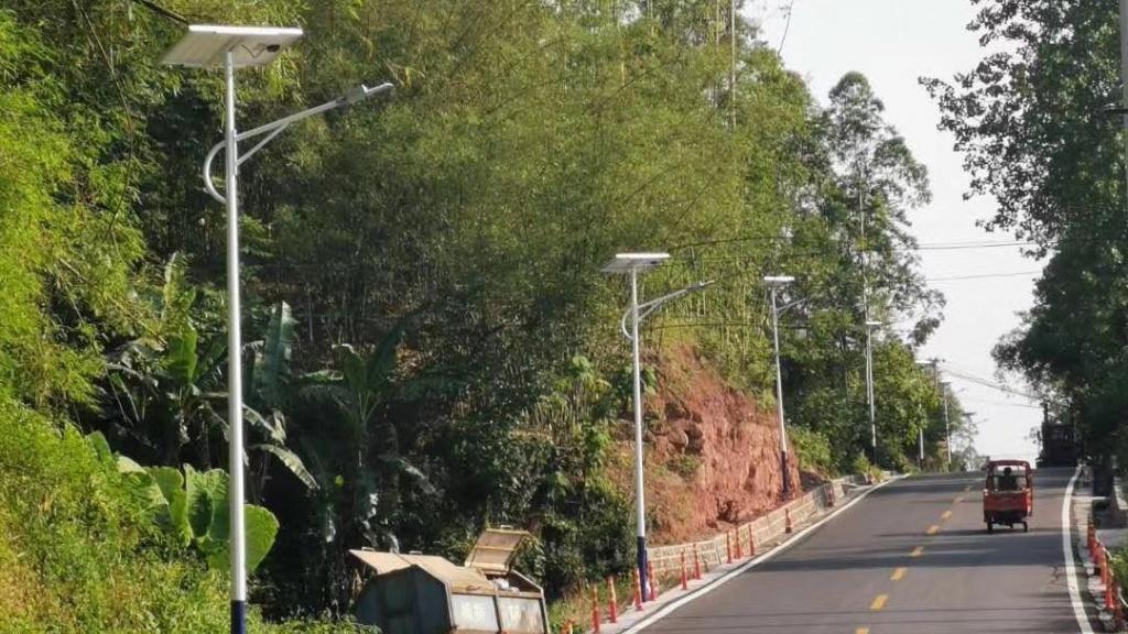 Hệ thống chiếu sáng năng lượng mặt trời: Góp phần đưa Nông thôn mới đi vào thực chất