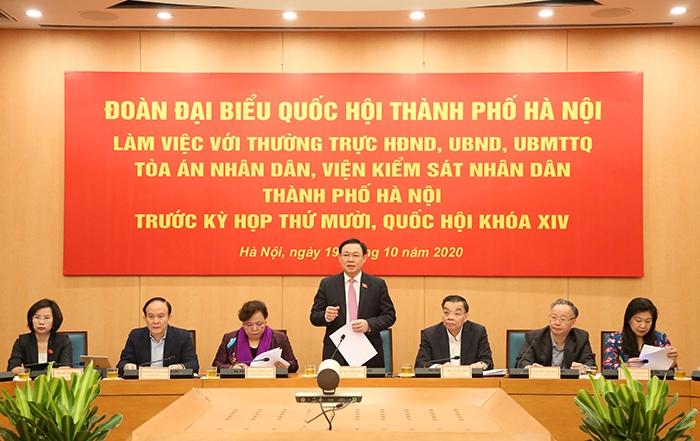 Đồng chí Vương Đình Huệ, Ủy viên Bộ Chính trị, Bí thư Thành ủy, Trưởng đoàn ĐBQH TP Hà Nội chủ trì buổi làm việc