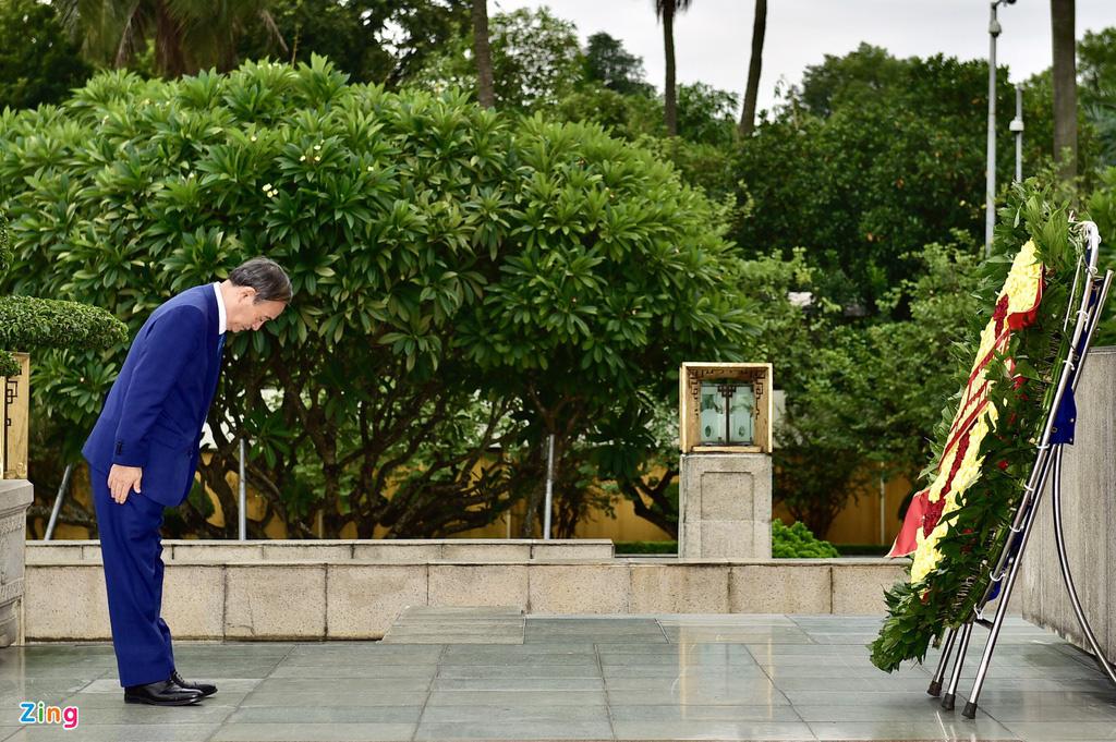 Nhìn lại một ngày hoạt động của Thủ tướng Nhật tại Hà Nội - Ảnh 9.