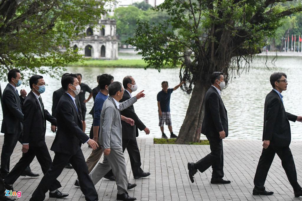 Nhìn lại những hoạt động của Thủ tướng Nhật Bản Suga Yoshihide trong 2 ngày tại Việt Nam - Ảnh 14.