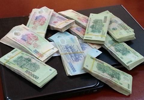 Truy tố cựu công an lừa đảo hơn 1 tỷ đồng