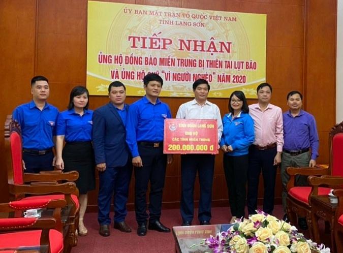 Tuổi trẻ Lạng Sơn ủng hộ 200 triệu cho đồng bào miền Trung bị lũ lụt