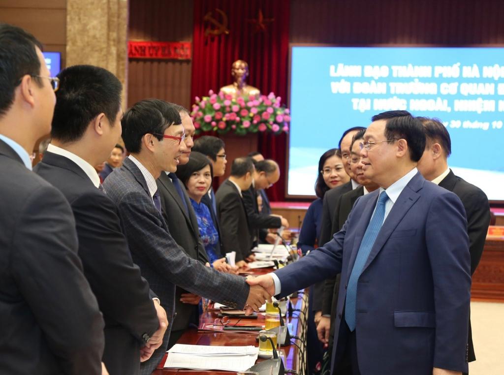 Bí thư Thành ủy Vương Đình Huệ tiếp các tân Đại sứ, Tổng lãnh sự Trưởng Cơ quan đại diện Việt Nam ở nước ngoài