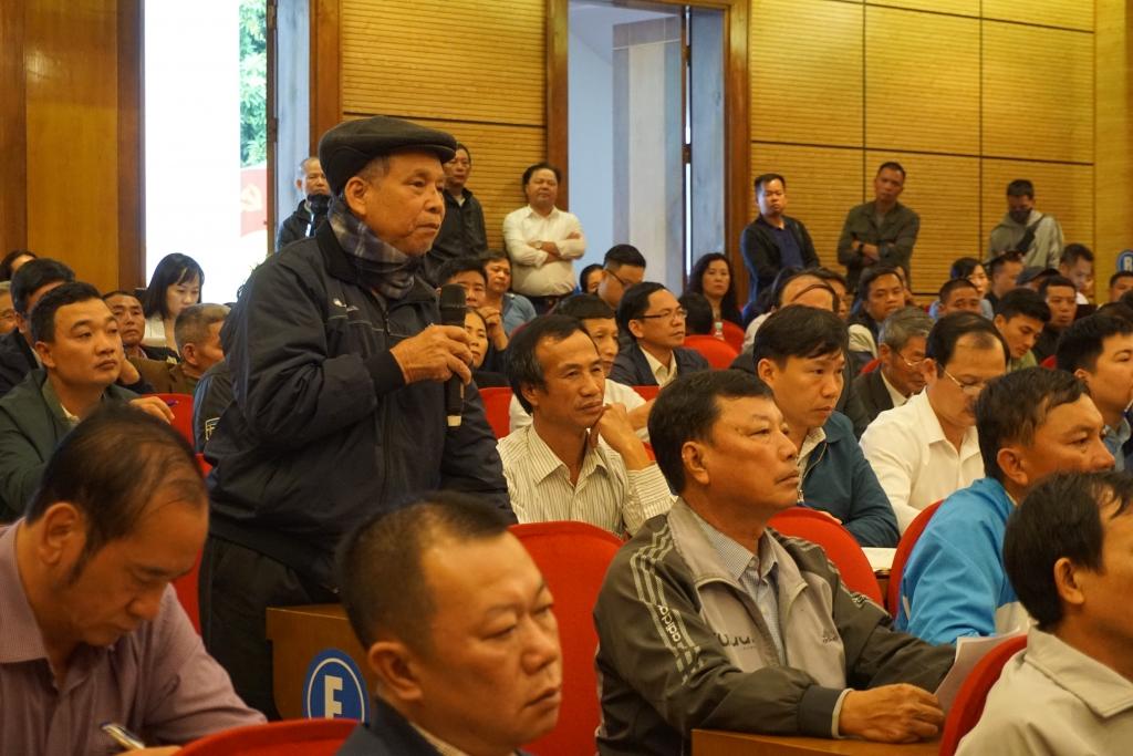 Người dân xã Nam Sơn kiến nghị tại buổi đối thoại