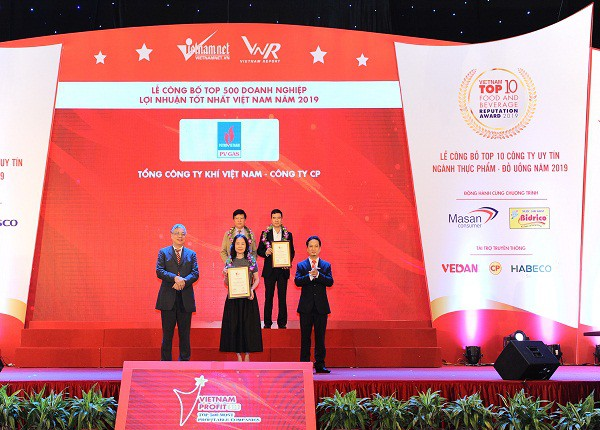 pvn pv gas nhan danh hieu cao trong top 500 doanh nghiep loi nhuan tot nhat viet nam nam 2019
