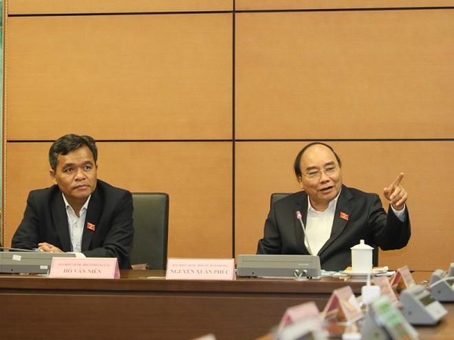 Thủ tướng Nguyễn Xuân Phúc phát biểu thảo luận tại tổ sáng 2/11