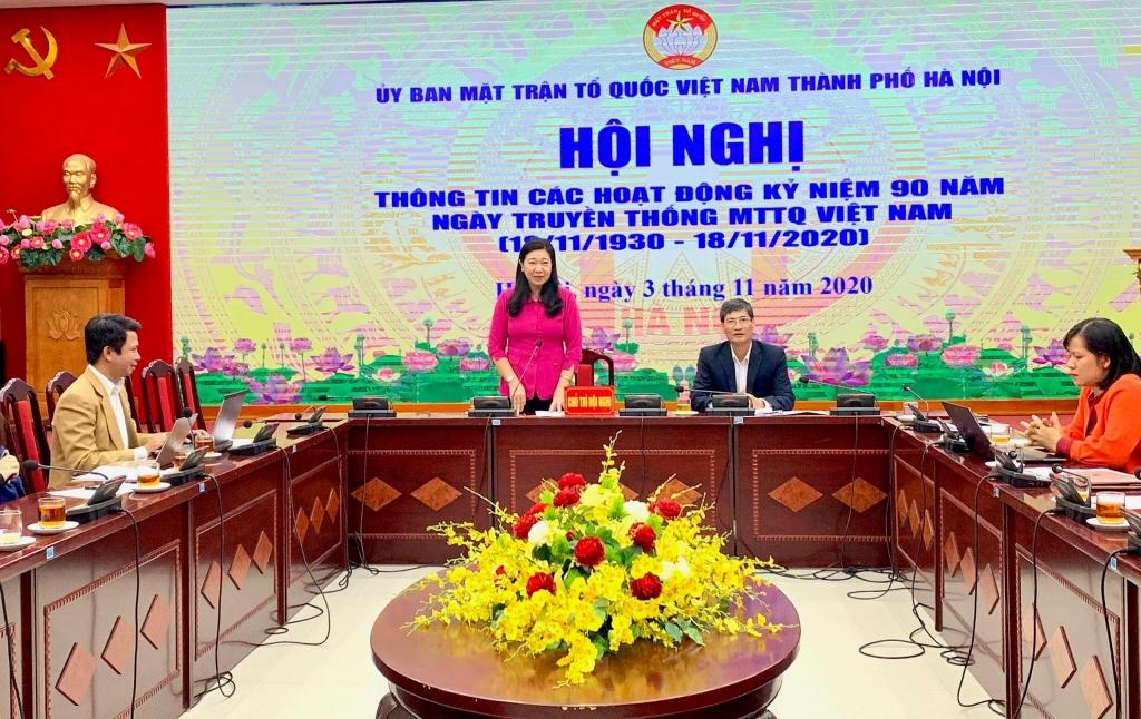 Chủ tịch Ủy ban MTTQ Việt Nam TP Hà Nội Nguyễn Lan Hương thông tin tại tại hội nghị
