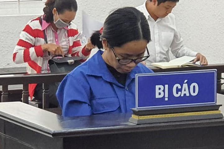 Nữ thạc sỹ lừa tiền bằng chiêu trò mua bán vé máy bay giá rẻ