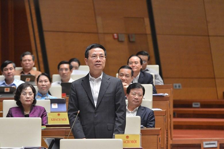 Bộ trưởng Bộ Thông tin và Truyền thông Nguyễn Mạnh Hùng trả lời chất vấn của các ĐBQH