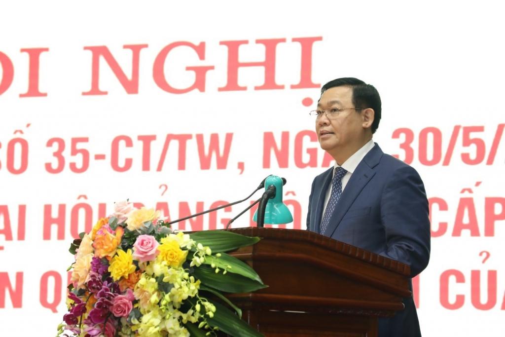 Bí thư Thành ủy Vương Đình Huệ phát biểu chỉ đạo tại hội nghị